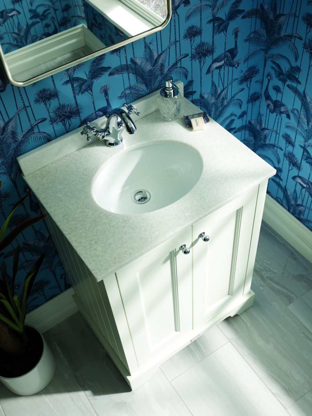 The Pointing White Unit with White Marble